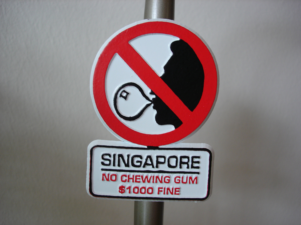 chewing gum banned in Singapore, gum illegal in Singapore